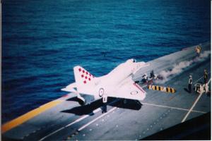 Skyhawk_HMAS_Melbourne_1976
